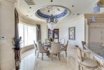 Set Meja Kursi Makan Mewah Putih Ukir Modern
