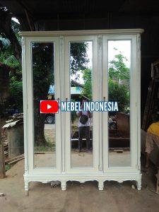 Lemari Pakaian 4 Pintu Ukiran Klasik Modern
